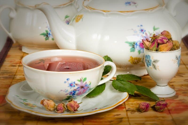 Download Rose Tea stock afbeelding. Afbeelding bestaande uit zoet - 54089895