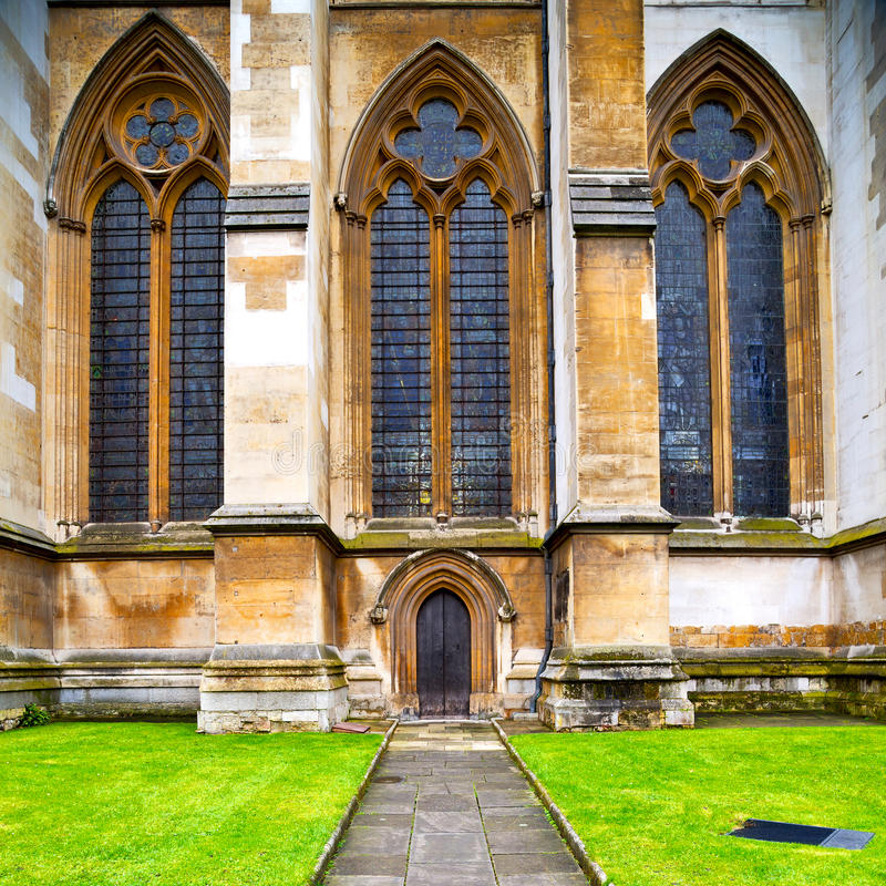 Free Rose Window Weinstmister Abbey In London Old Church Door And Ma Stock Images - 59497514