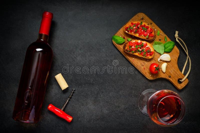 Rose Wine met Bruschetta royalty-vrije stock afbeeldingen
