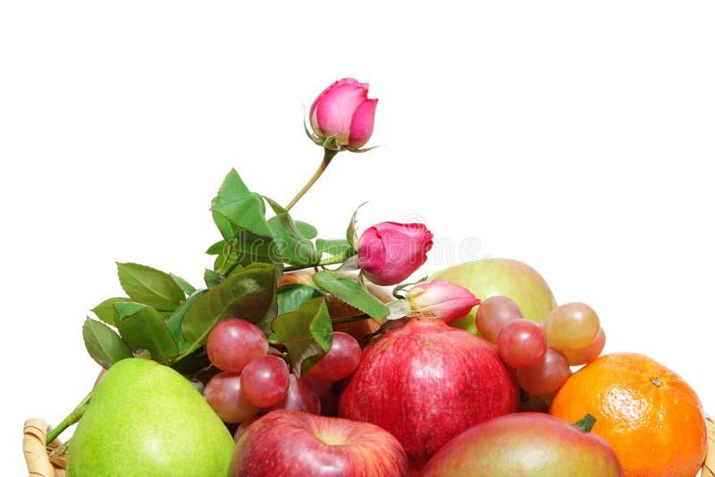 Rose y frutas imagenes de archivo