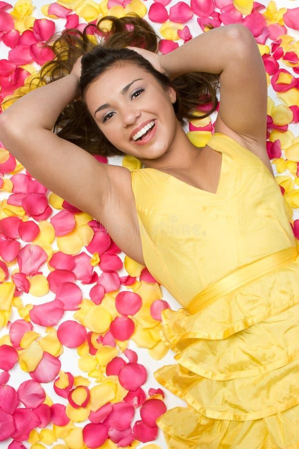 Rosen-Blumenblatt-Mädchen stockbilder
