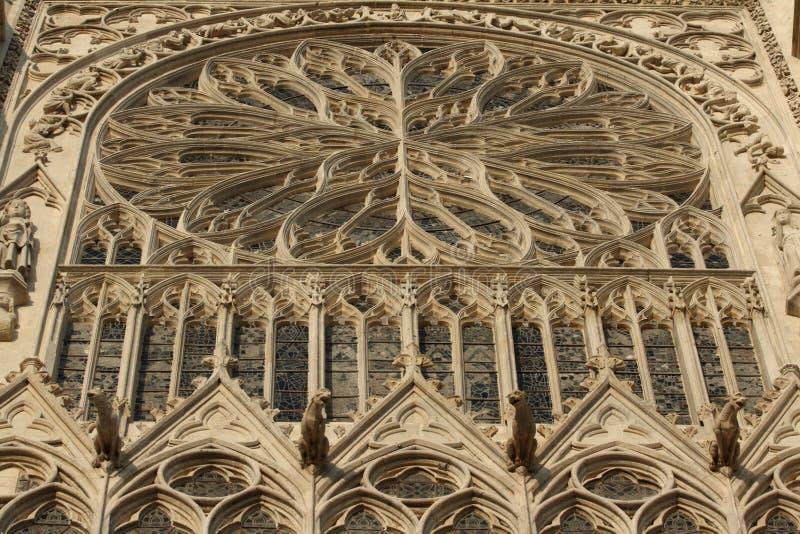 Rosen-Fenster, Kathedrale von Amiens stockbilder