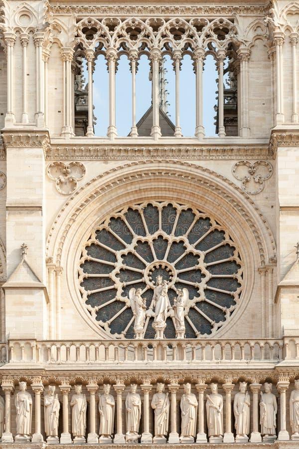 Rosen-Fenster von Notre Dame de Paris stockfoto