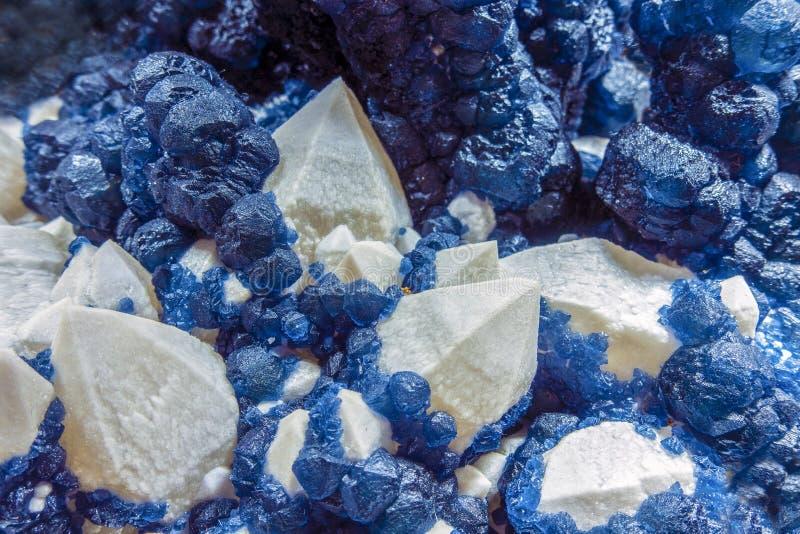 Rosen-Quarz und andere Kristalle lizenzfreie stockbilder