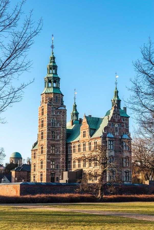 Rosenborgkasteel in Kopenhagen in de vroege lente denemarken royalty-vrije stock afbeelding