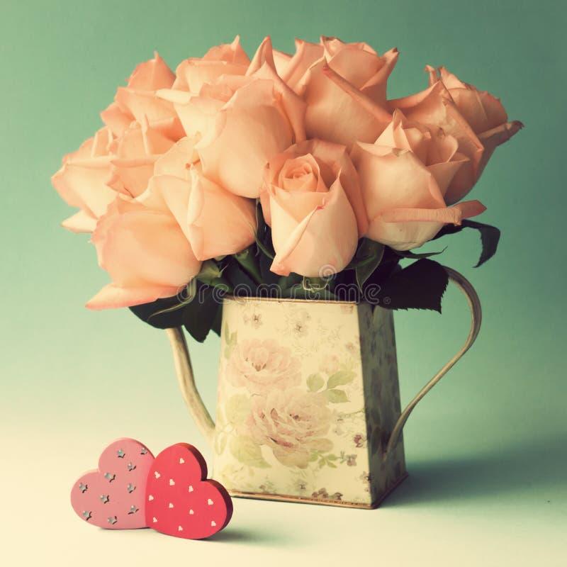 Roses et coeurs photographie stock libre de droits