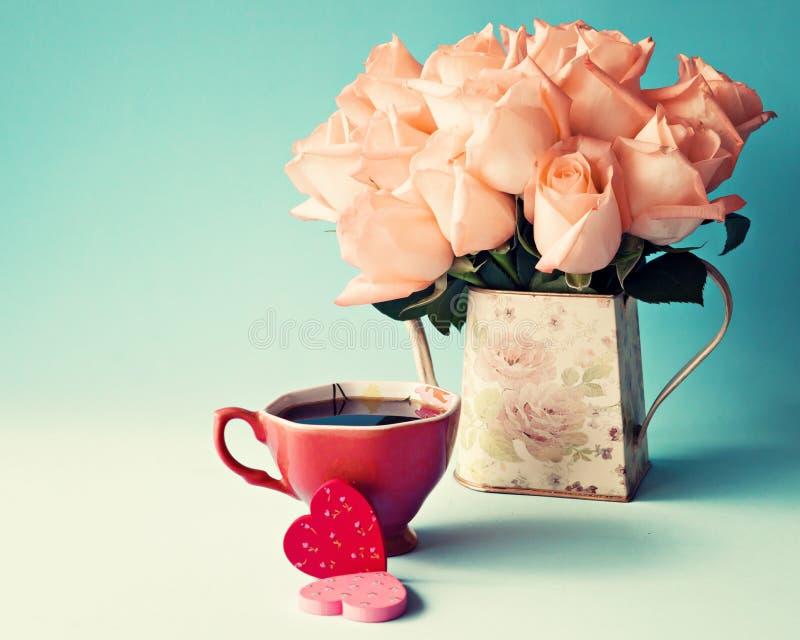 Roses et coeurs image libre de droits
