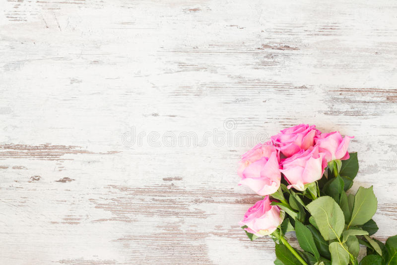 Download Roses fraîches roses image stock. Image du rose, célébration - 77157907