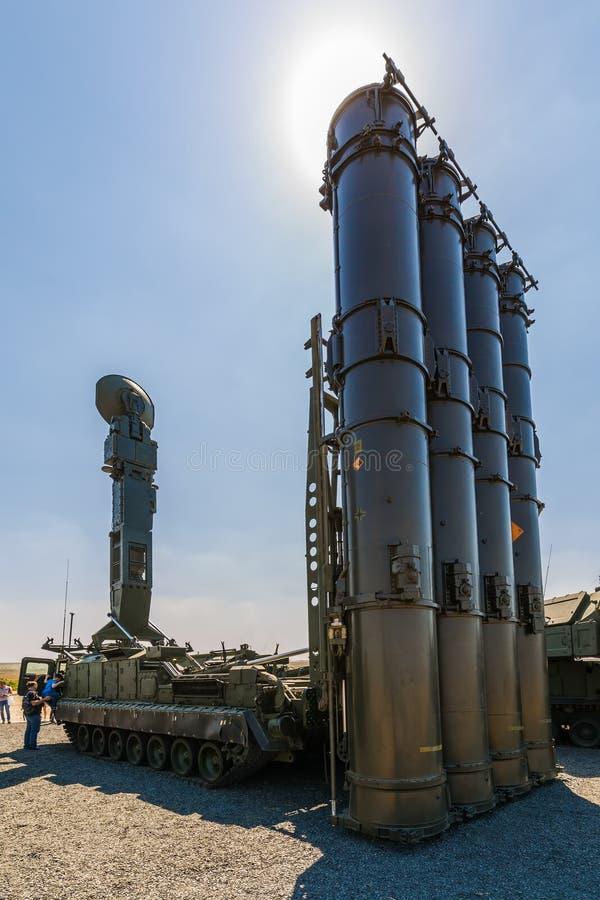 Rosja aktualizował wyrzutnia pojazd przeciwlotniczy system rakietowy SAM S-300B4 fotografia royalty free