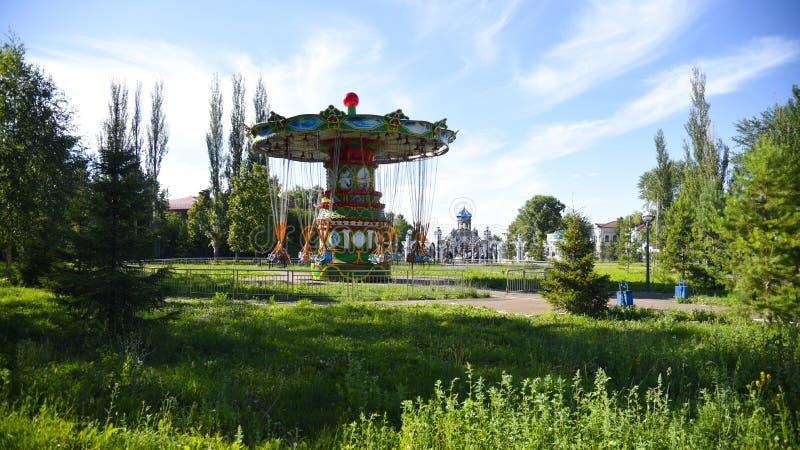 Rosja Chistopol parka rozrywki carousel obrazy stock
