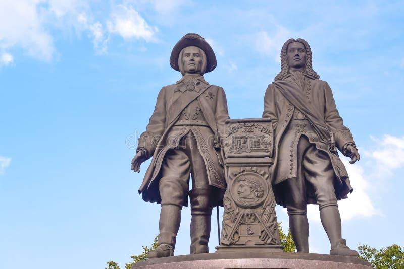 Rosja Ekaterinburg Zabytek Vasily Tatischev i Wilhelm De Gennine obrazy stock