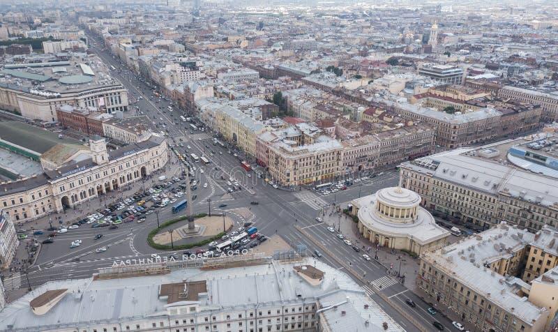 Rosja, Petersburg, Sierpień 2017 - widok z lotu ptaka Vosstaniya kwadrat w StPetersburg zdjęcie stock