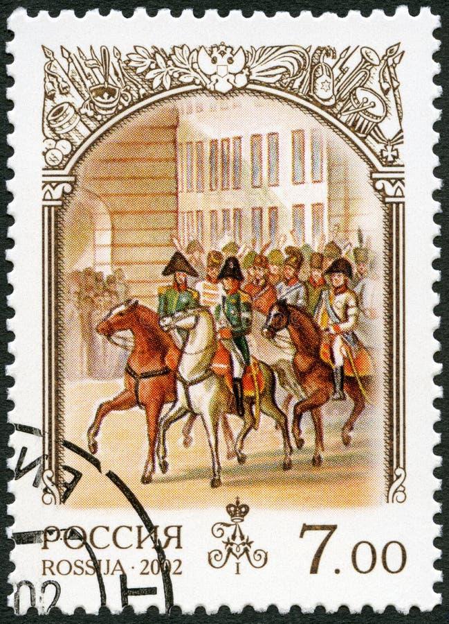 ROSJA - 2002: przedstawienia Aleksander 1777-1825 Rosyjscy oddziały wojskowi wchodzić do Paryż, dedykującego historia Rosja obraz stock