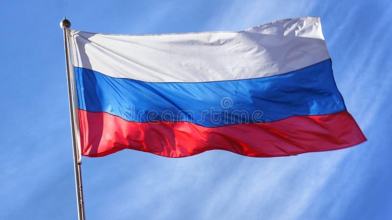 Rosjanin flaga na Flagpole zdjęcia stock