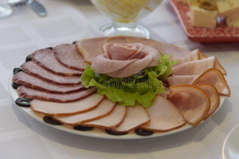 Rosjanina uwędzony mięsny wybór przy gościem restauracji obrazy royalty free