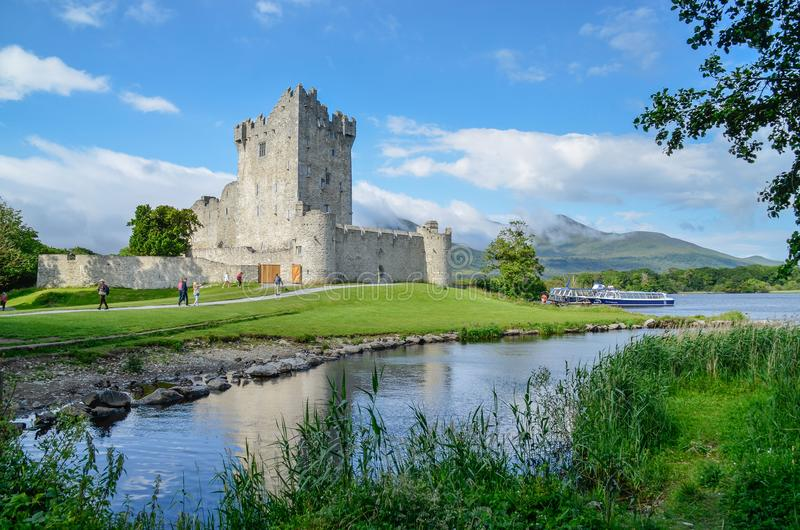 Ross Castle Killarney Kerry lizenzfreies stockbild