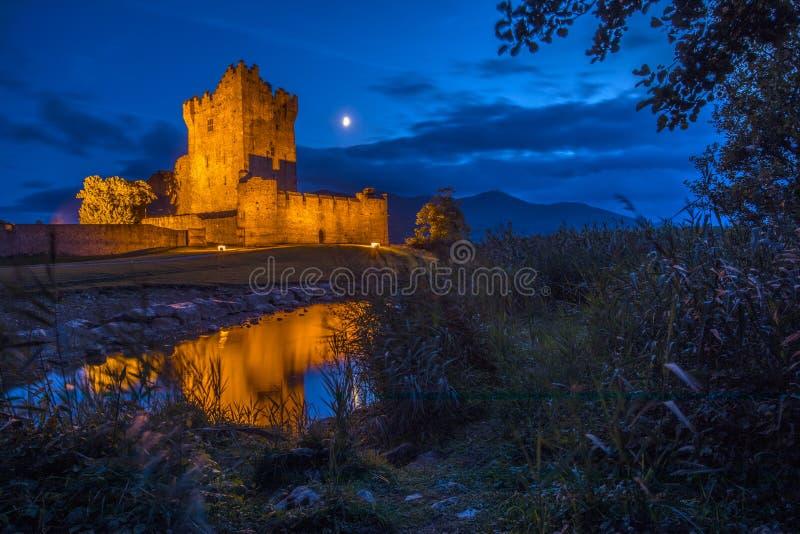 Ross Castle a Killarney, Repubblica Irlandese fotografie stock libere da diritti