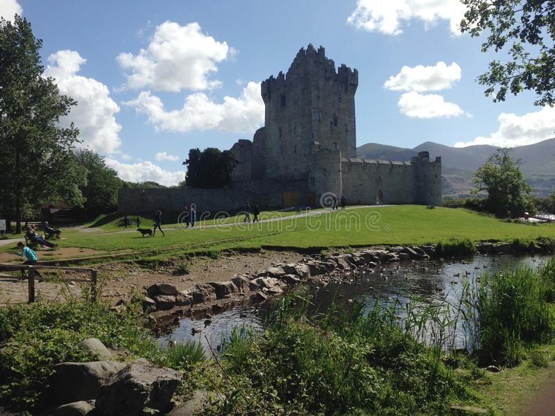 Ross Castle sur le lac Sheelin photographie stock