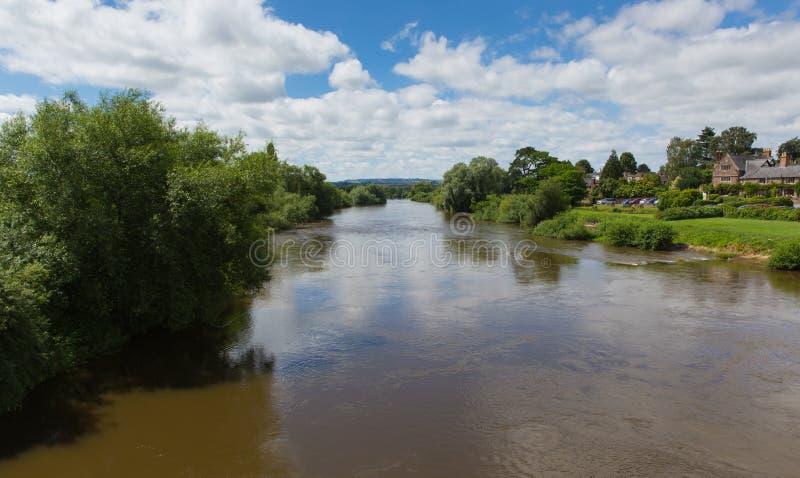 Ross-en-horqueta Herefordshire Inglaterra Reino Unido de la horqueta del río un pequeño pueblo con mercado imagenes de archivo
