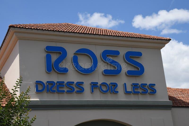 ROSS suknia DLA MNIEJ sklepu W GAINESVILLE zdjęcia stock