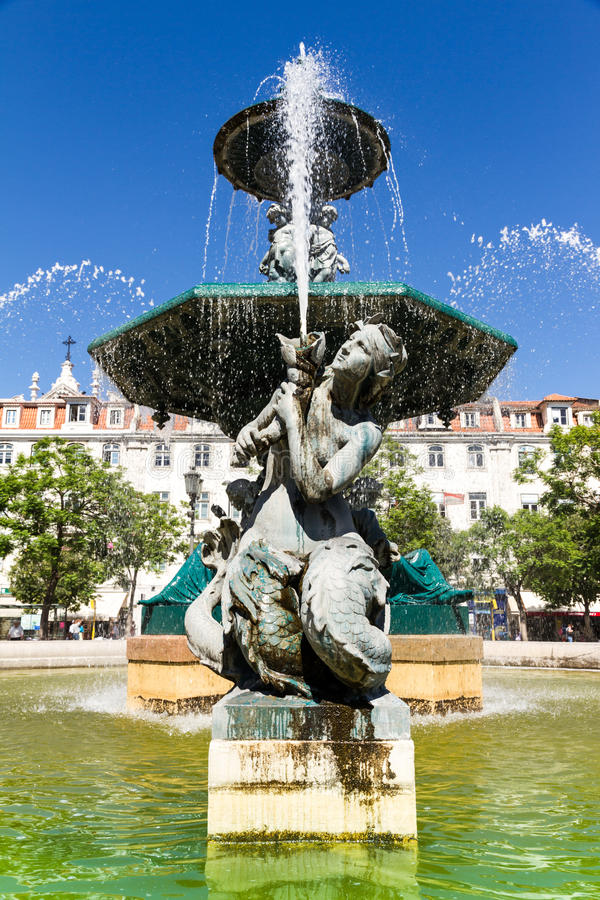 Rossio fyrkant (Pedro droppfyrkant) i Lissabon, Portugal arkivbilder