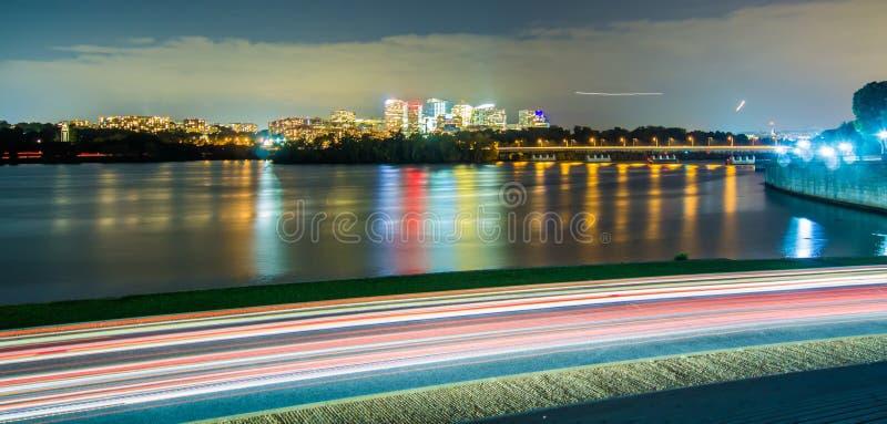 Rosslyn, Arlington, Virginia, usa miasto linia horyzontu na Potomac Ri obrazy stock