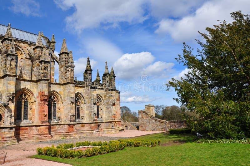 Rosslyn-Kapelle in Schottland an einem sonnigen Tag stockfotos