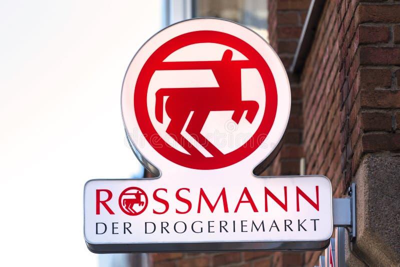 Rossmann podpisuje wewnątrz troisdorf Germany fotografia stock