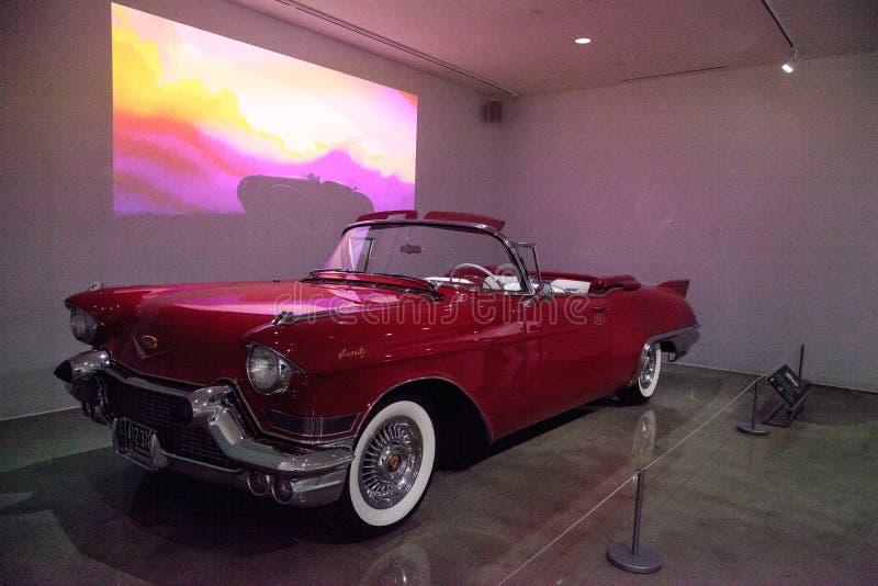 Rosso Cadillac 1957 Eldorado Biarritz fotografie stock libere da diritti