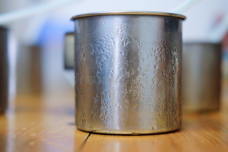 Download Rostfreie Glastropfen Des Kalten Wassers Stockfoto - Bild von nahrung, erfrischung: 96934890