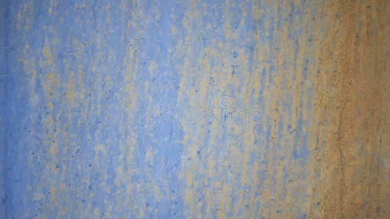 Rostig blå bakgrund för metallväggtextur royaltyfri fotografi