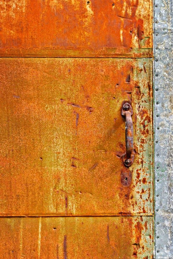 rostig dörr royaltyfri fotografi