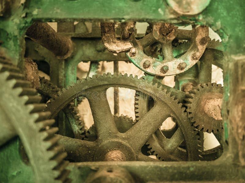Rostig gammal mekanism royaltyfria bilder