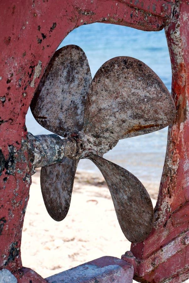 rostig gammal propeller arkivbilder