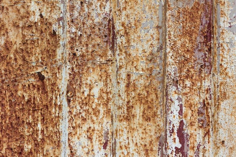 Rostig metallyttersida med rik och olik textur arkivfoton