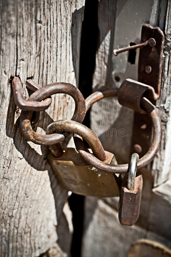 Rostig padlock royaltyfri bild