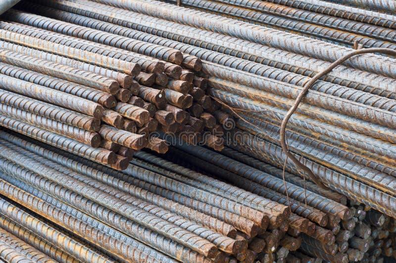 Download Rostiga stålstänger. fotografering för bildbyråer. Bild av material - 27280509
