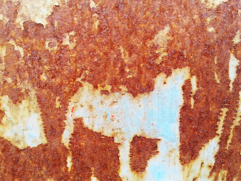 Rostiga texturer belägger med metall bakgrund med bakgrund för modellen för plattan för strimmametallarket royaltyfri foto