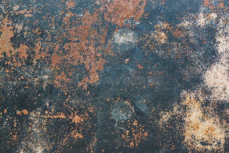 Rostige Metallschmutzhintergrund-Artweinlese stockfotos
