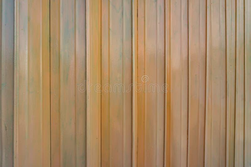 Rostige orange Metalltürweinlese-Artbeschaffenheit lizenzfreie stockbilder