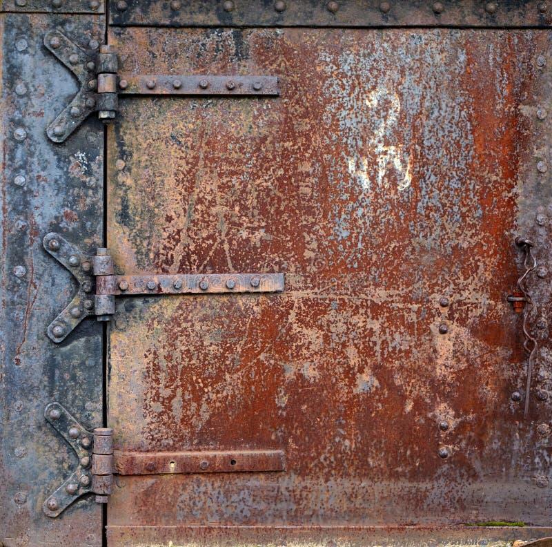 Rostige Stahltür lizenzfreies stockfoto