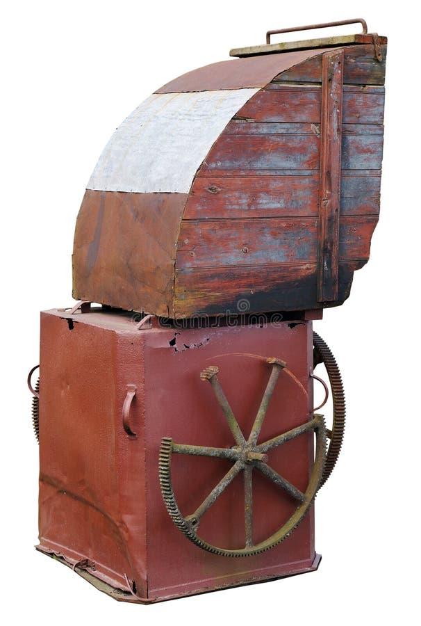 Rostiger Kasten des Weinleseeisens des Luftschachts einer alten Windmühle stockfoto