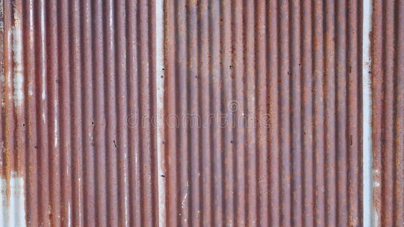 Rostiger Metallwandhintergrund, alte Zinkdachbeschaffenheit, schmutzige Eisenplatte stockbilder