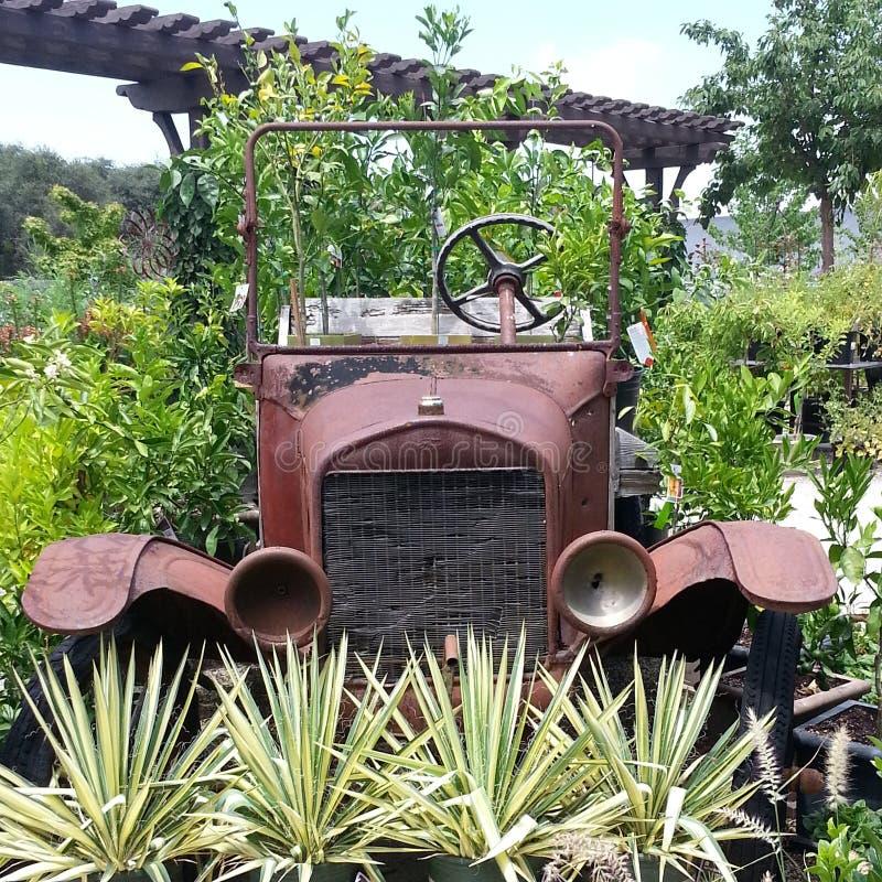 Rostiges altes Auto stockfoto