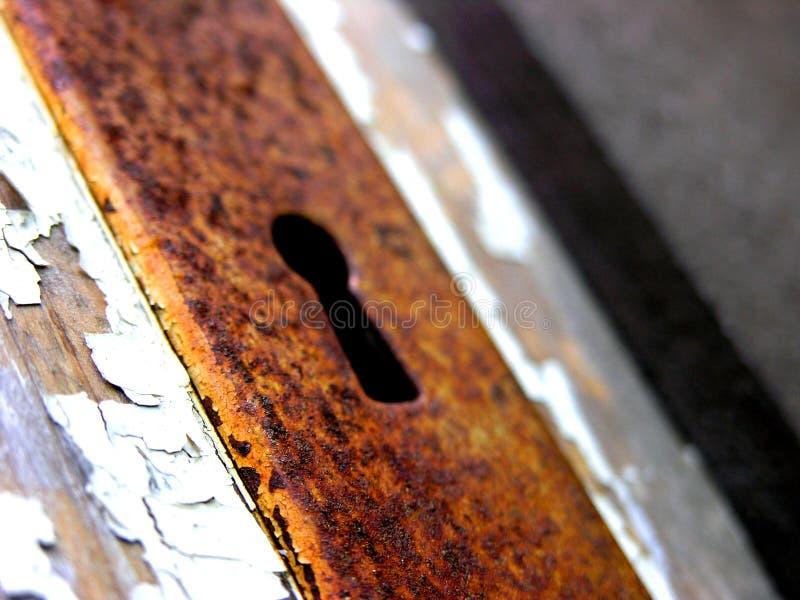 Download Rostiges Schlüsselloch stockfoto. Bild von rostig, klar - 32682