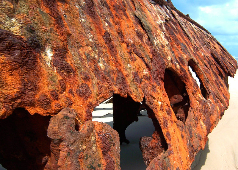 Rostiges Strandwrack stockfoto