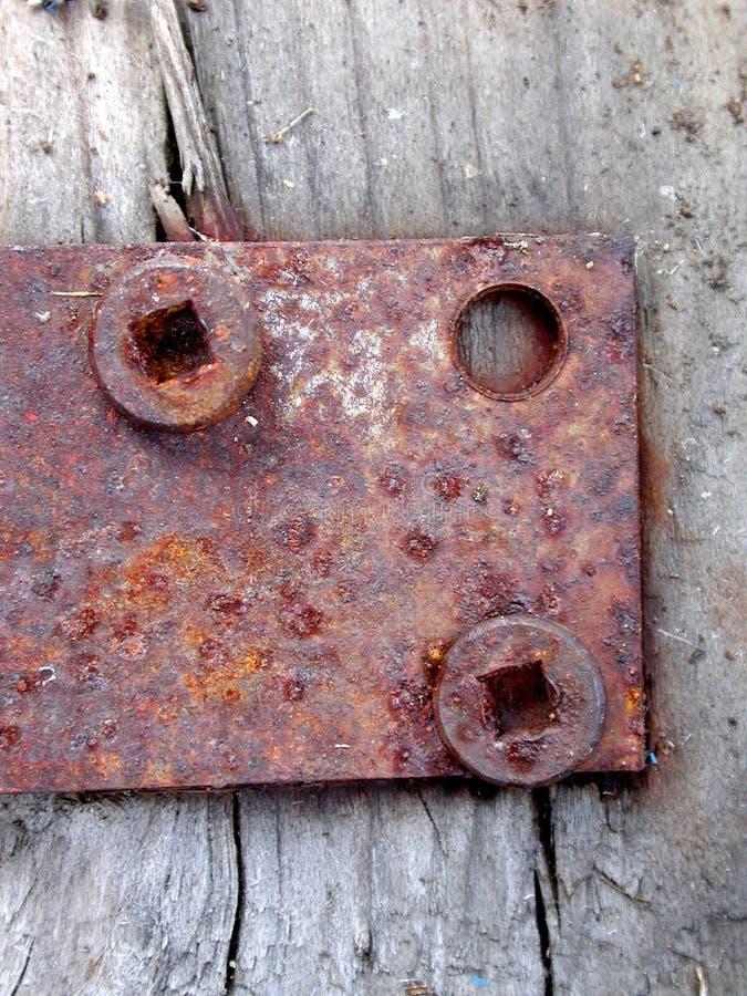 Rostiges Tür-Scharnier Schraubt Holz Lizenzfreies Stockbild