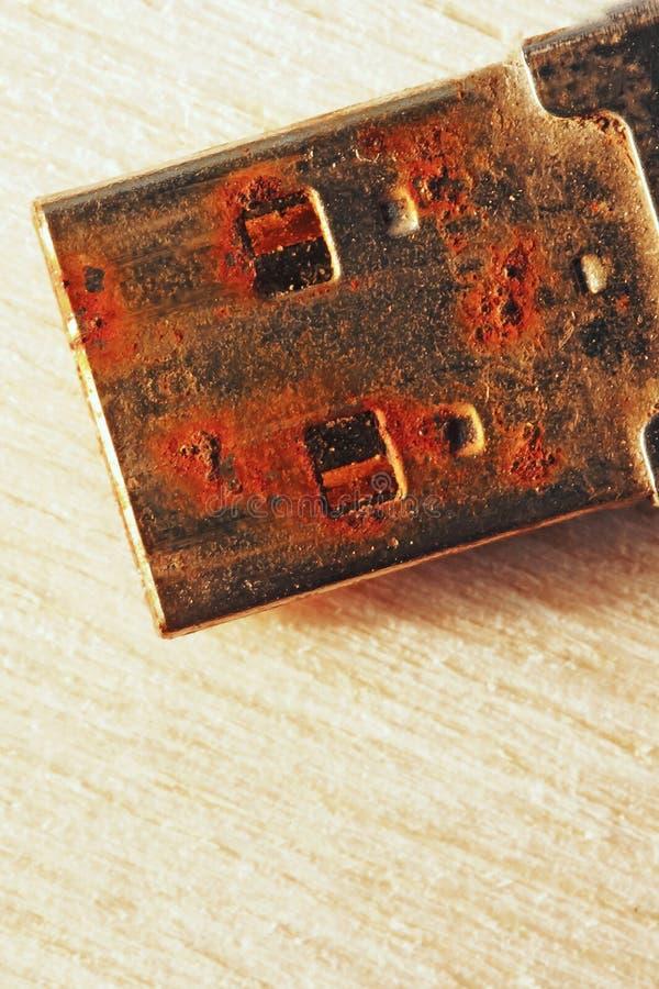 Rostiges USB-Blitz-Antriebs-Verbindungsstück stockbilder
