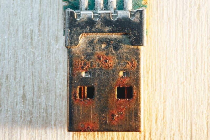 Rostiges USB-Blitz-Antriebs-Verbindungsstück stockfotografie