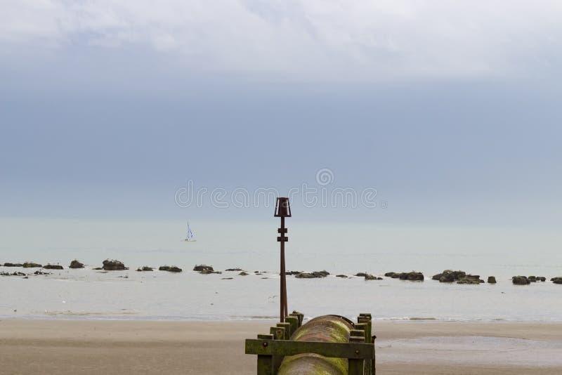 Rostiges Wasserleitungs- und Bootssegeln stockbilder